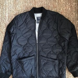 Abercrombie and Fitch men's quilted jacket, small